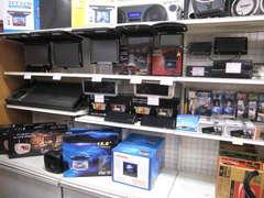 各種モニターやオーディオハーネス、分配機など常時在庫してますお客様の要望ご相談下さい
